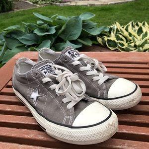 Converse Sneakers 8.5